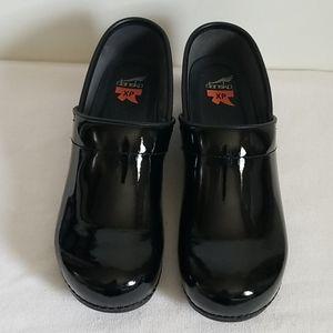Dansko Black Patent Leather XP Professional Clogs